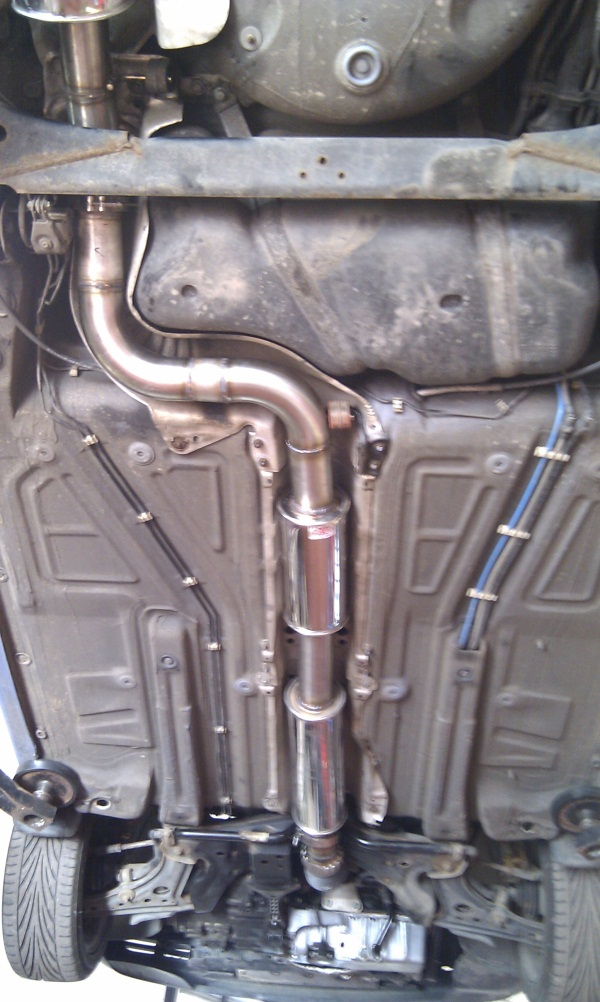 lupo-3inch-exhaust-under-rear-2.jpg